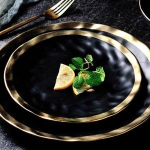 "8"" Modern Gold/Black plates set of 6"